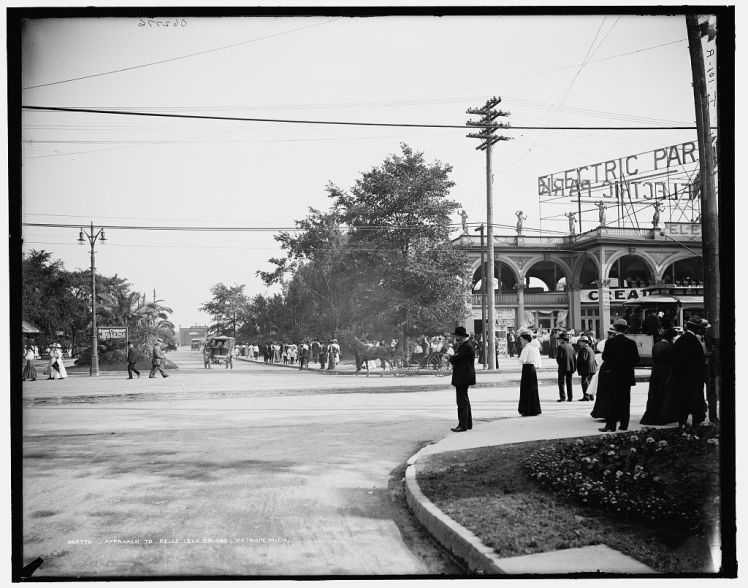 Detroit's Electric Park at the foot of Belle Isle Park. Photograph from the Detroit Publishing Co online collection, Library of Congress.